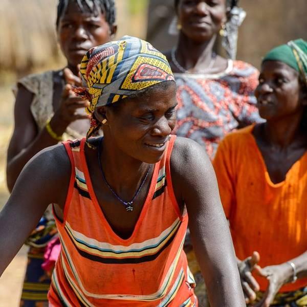 mulheres apoiadas pelo programa solidário la roche-posay 2