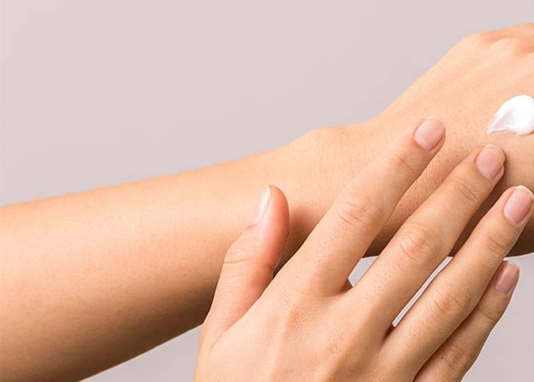 hidratação de mãos e pés La Roche-Posay